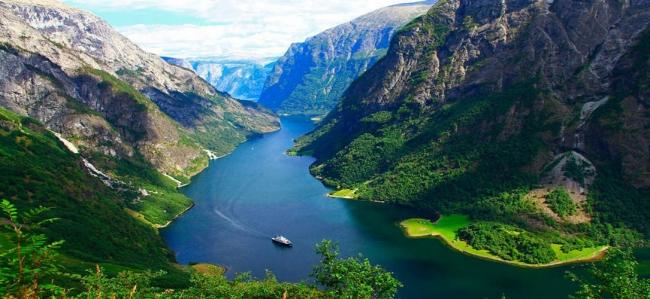 Sol de Medianoche y Fiordos Noruegos!!
